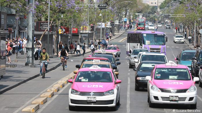 Para el analista del Banco Mundial, Arturo Ardila, las personas que no tienen vehículos es una prioridad que se habiliten más kilómetros de ciclovías, una medida que considera debe ser permanente.