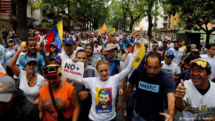 Venezuela Proteste in Caracas | Lilian Tintori (Reuters/C.G. Rawlins)
