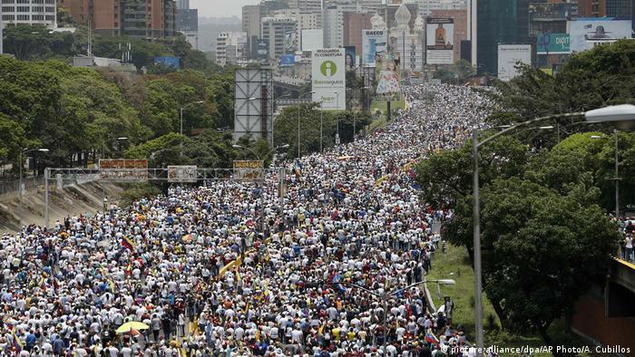 Venezuela Schwere Ausschreitungen bei Protesten