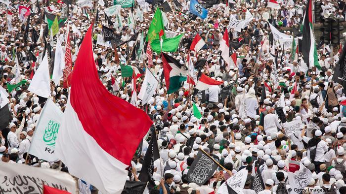 Indonesien Protesten gegen Jakartas Governeur 'Ahok'