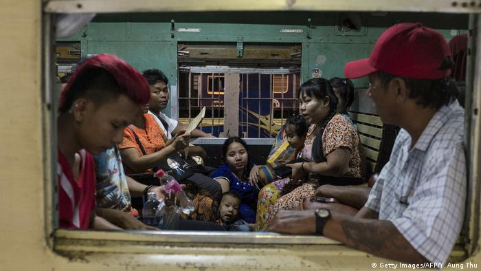 Myanmar Bahnhof in Yangon Thailand (Getty Images/AFP/Y. Aung Thu)