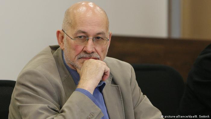Rechtsextremist Horst Mahler (picture-alliance/dpa/B. Settnik)