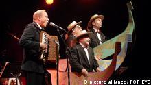 +++Nur im Rahmen der Berichterstattung zu verwenden!+++ Konzert von Ulrich Tukur & die Rhythmus Boys im Berliner Tipi am 29.06.2010 | Verwendung weltweit