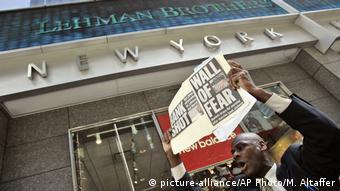 Нью-Йорк, сентябрь 2008 года. Крах банка Lehman Brothers