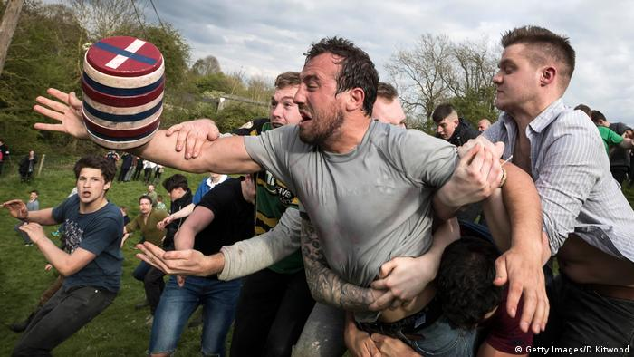 England Bottle Kicking (Getty Images/D.Kitwood)