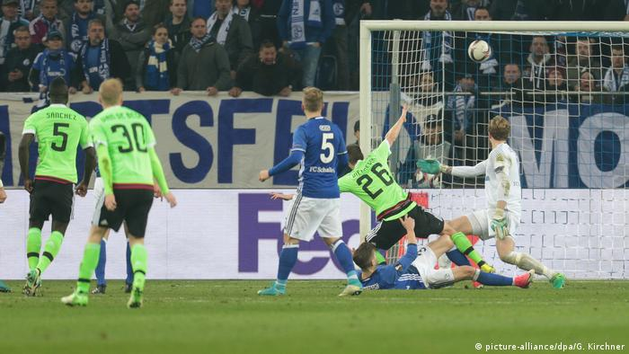UEFA Europa League Quarter Final | FC Schalke 04 v Ajax Amsterdam (picture-alliance/dpa/G. Kirchner)