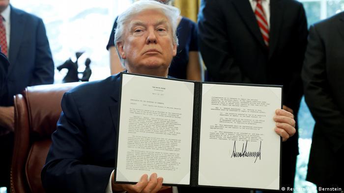 USA | Trump unterzeichnet neues Dekret (Reuters/A. P. Bernstein)