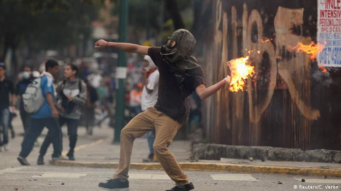 Venezuela gewaltsame Proteste (Reuters/C. Veron)