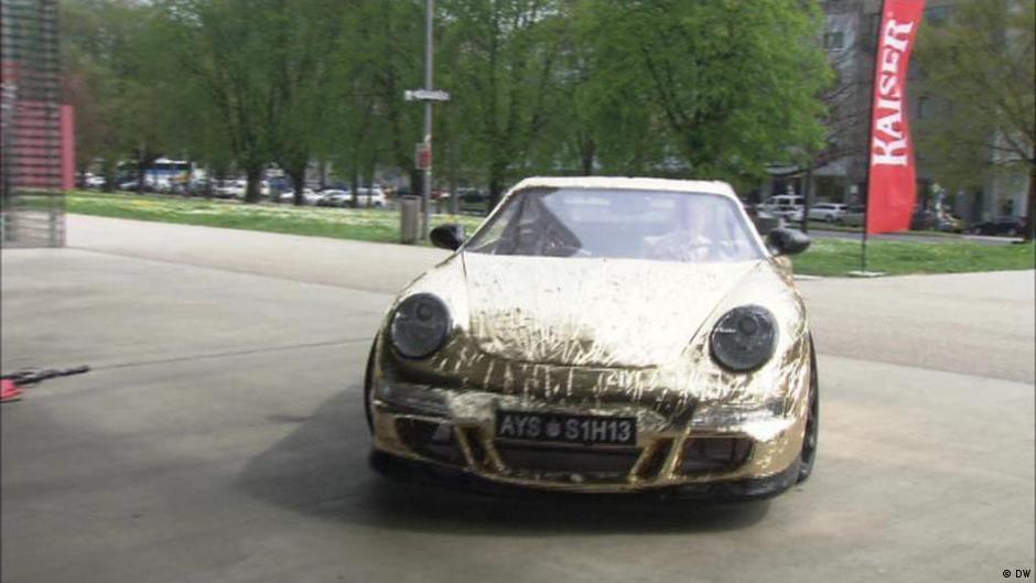 World′s slowest Porsche | Euromaxx Videos | DW | 22.04.2017