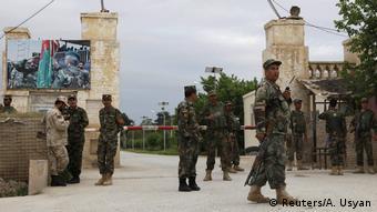 Afghanistan Taliban-Angriff auf Militärlager in Mazar-i-Sharif