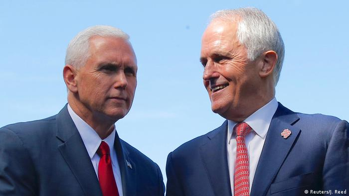 Australien Mike Pence und Malcolm Turnbull in Sydney (Reuters/J. Reed)