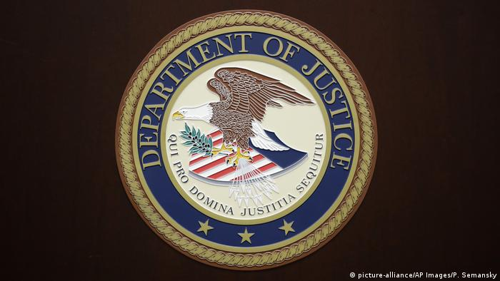 USA - Department of Justice Logo (picture-alliance/AP Images/P. Semansky)
