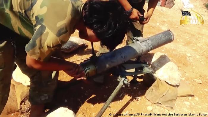 Syrien - Chinesische Dschihadisten (picture-alliance/AP Photo/Militant Website Turkistan Islamic Party)