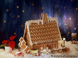 Casinha de pão de mel decorada com doces