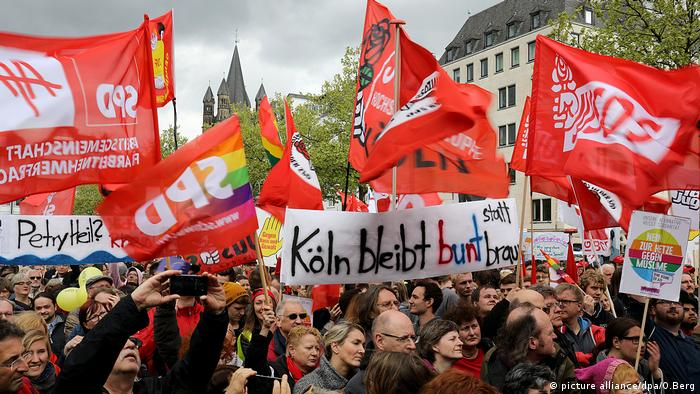 Disturbios enmarcan congreso AfD en Colonia