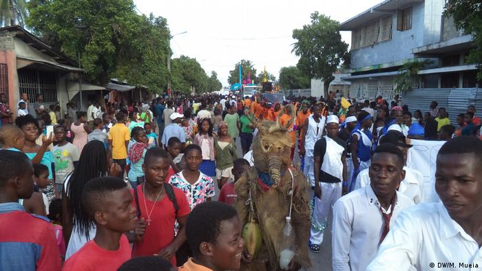Mosambik Quelimane - Karneval am Jahrestag der Stadt (DW/M. Mueia)