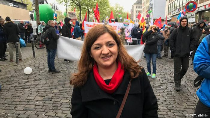 AfD Proteste Köln Oezlem Alev Demirel