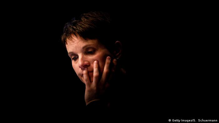 Köln AfD Parteitag Frauke Petry (Getty Images/S. Schuermann)