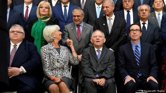 Washington IWF und Weltbank Treffen Finanzminister mit Schäuble Mnuchin (R)