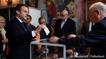 Frankreich Präsidentschaftswahl Emmanuel Macron (Reuters/E. Feferbert)