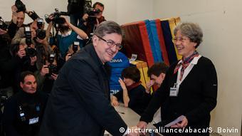 Ο Ζαν-Λυκ Μελανσόν ψηφίζει στον πρώτο γύρο