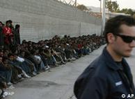 سیل پناهجویان در یونان