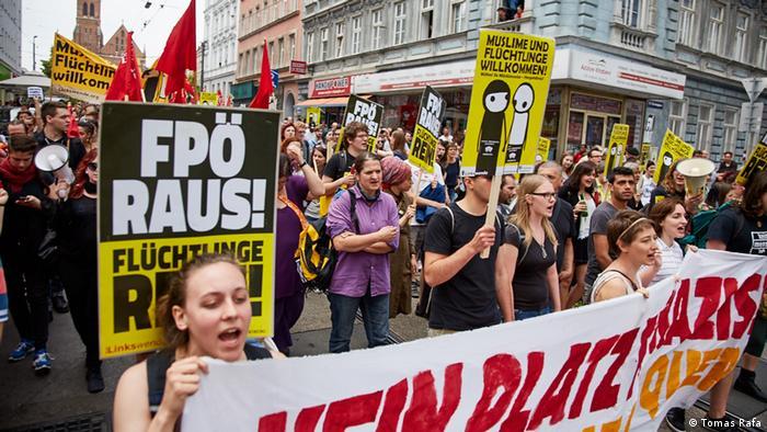 Österreich Antifa Demonstration (DW/J. Tomes)