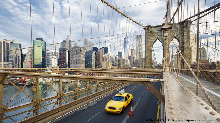 New York Brooklyn Bridge (Brand USA/Shutterstock/prochasson frederic)
