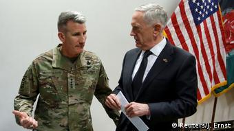Afghanistan Kabul US-Verteidigungsminister Mattis (Reuters/J. Ernst)