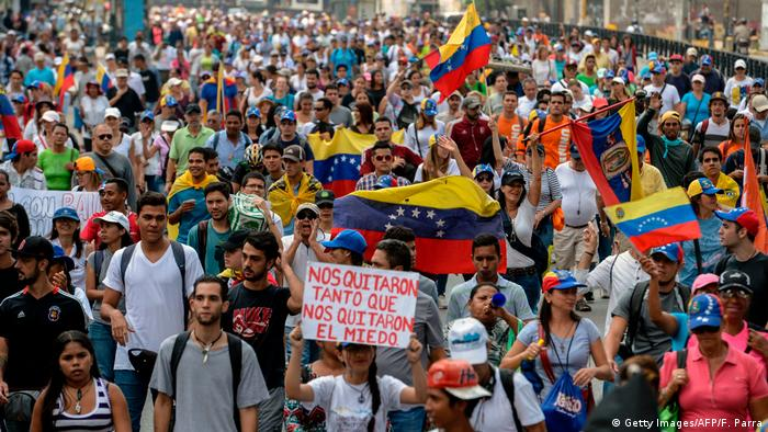 Venezuela Caracas Demonstrationen (Getty Images/AFP/F. Parra)