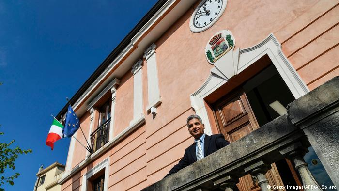 Italien Flüchtlinge in Kalabrien | Stefano Calibre, Bürgermeister Sant' Alessio (Getty Images/AFP/A. Solaro)
