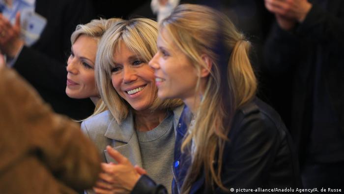 Frankreich Präsidentschaftswahl 2017   Brigitte Trogneux, Ehefrau von Emmanuel Macron (picture-alliance/Anadolu Agency/A. de Russe)