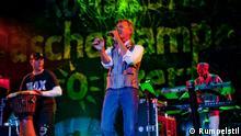 Jörn Brumme es compositor y líder de la banda alemana Rumpestil.