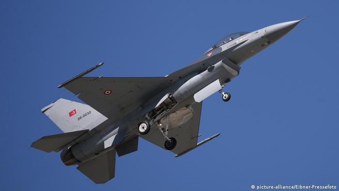 Истребитель F-16 турецких ВВС