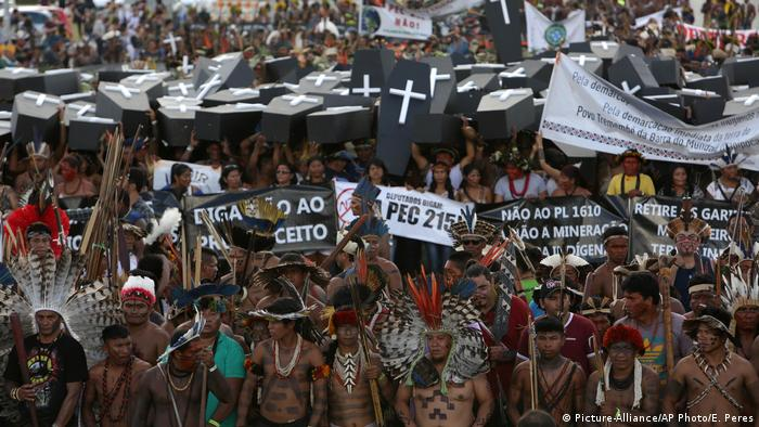Protest in Brazil (Picture-Alliance/AP Photo/E. Peres)