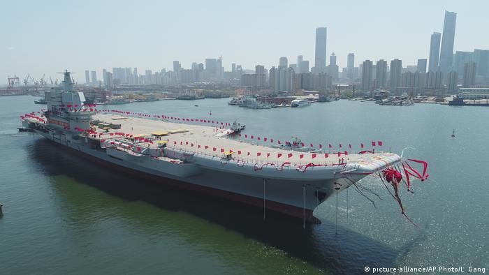ناو هواپیمابر تایپ ۰۰۱ای یک ناو هواپیمابر چینی است که در ۲۶ آوریل ۲۰۱۷ برای نیروی دریایی ارتش چین راه اندازی شد. این دومین ناو هواپیمابر این کشور پس از اتمام ناو هواپیمابر لیائونینگ است. چینیها سال ۲۰۱۱ به تکنولوژی توپ الکترومغناطیسی که نیاز به انرژی برق زیادی دارد نیز دست یافتهاند و سال ۲۰۱۴ آزمایش کردند. این سلاح سال ۲۰۱۷ بر روی یک کشتی نصب شد.
