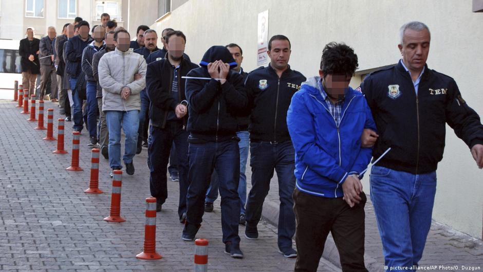 Илјадници ѓуленисти уапсени во Турција