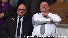 Großbritannien Fußball, Newcastle United | Mike Ashley & Lee Charnley