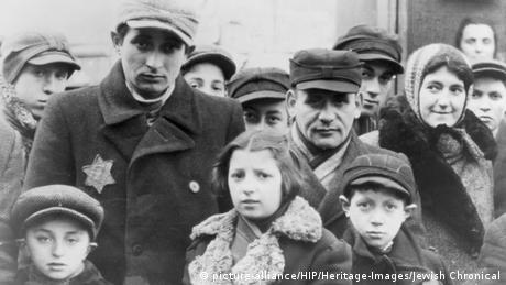 Jews wearing Star of David badges