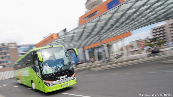 Автобус фирмы Flixbus в Ганновере
