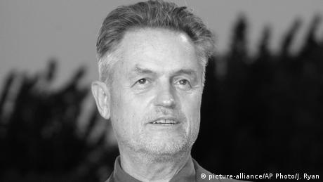 Italien Filmregisseur Jonathan Demme in Venedig (picture-alliance/AP Photo/J. Ryan)