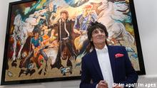 Bildnummer: 59503000 Datum: 11.04.2013 Copyright: imago/i Images Ronnie Wood with his new painting Electric Horses at the opening of a new exhibition of his work at the Castle Fine Art gallery in Mayfair, London, Thursday, 11th April 2013 Photo by: Stephen Lock / i-Images StephenxLock/i-Images PUBLICATIONxINxGERxSUIxAUTxHUNxONLY Entertainment people xas x0x 2013 quer premiumd o0 Gemälde Rolling Stones Kunst Ausstellung painting 59503000 Date 11 04 2013 Copyright Imago I Images Ronnie Wood With His New Painting Electric Horses AT The Opening of a New Exhibition of His Work AT The Castle Fine Art Gallery in Mayfair London Thursday 11th April 2013 Photo by Stephen Lock I Images I Images PUBLICATIONxINxGERxSUIxAUTxHUNxONLY Entertainment Celebrities x0x 2013 horizontal premiumd o0 Paintings Rolling Stones Art Exhibition Painting
