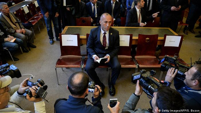 Kosovos ehemaliger Premierminister Ramush Haradinaj freigesprochen (Getty Images/AFP/S. Bozon)