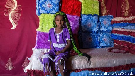 Kinderehe Child marriage Chad Tschad (picture alliance/dpa/O.Cicek )