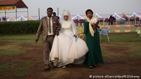 Sudan Child marriage Kinderehe junges Hochzeitspaar (picture alliance/dpa/M.Elshamy)