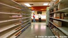 Venezuela Leere Regale im Supermarkt (Getty Images/AFP/J. Barreto)