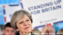 Großbritannien Wahlkampf Theresa May (picture-alliance/dpa/PA Wire/A. Devlin)