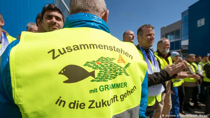 Grammer staff protest (picture alliance/dpa/A. Weigel)