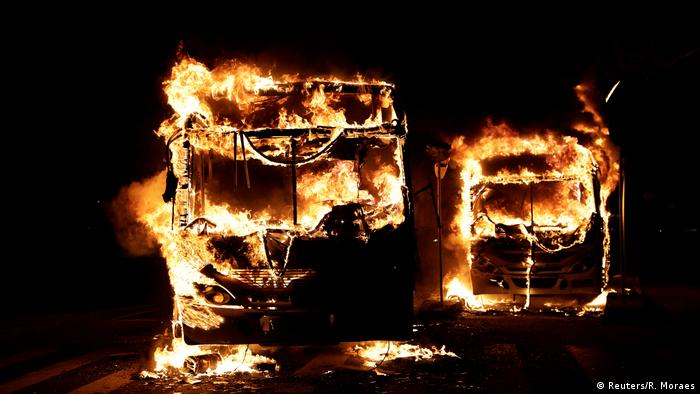 Protestos contra reformas acabam em violência no Rio e SP