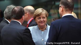 Merkel na EU-summitu u Bruxellesu razgovara s kolegama